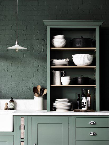 Neptune Suffolk keuken by Martin Zoon Interior Design stoer in groen ...