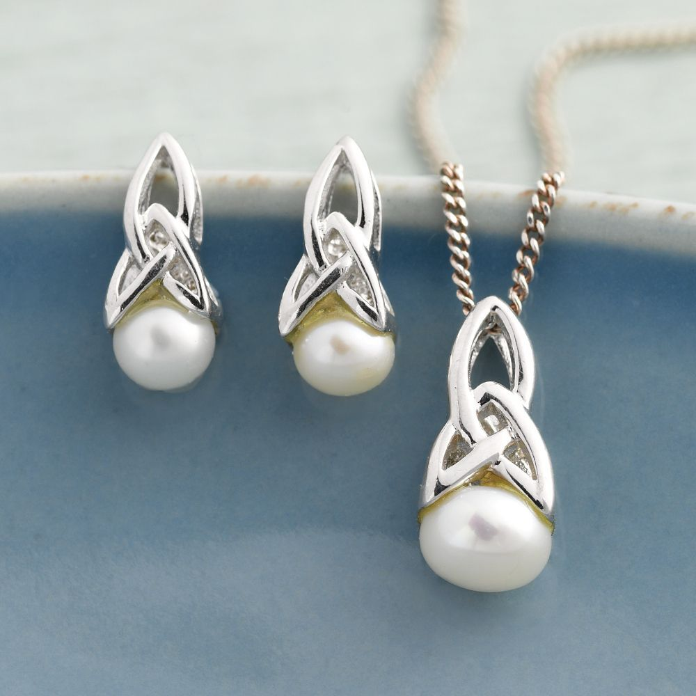 Celtic Pearl Earrings | National Geographic Store - THIS IS THE PERFECT SET FOR ME - I LOVE EVERYTHING CELTIC AND PEARLS ARE MY BIRTHSTONE.