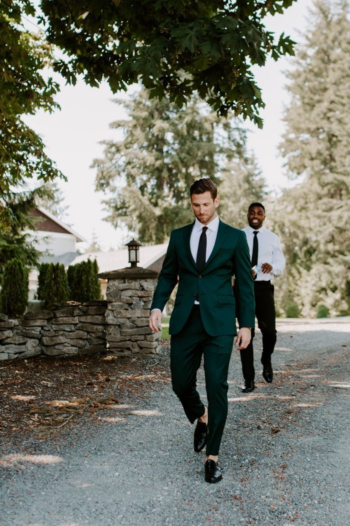 This Trinity Tree Farm Wedding Shows How to Put a Modern Sophisticated Spin on Outdoorsy Affairs