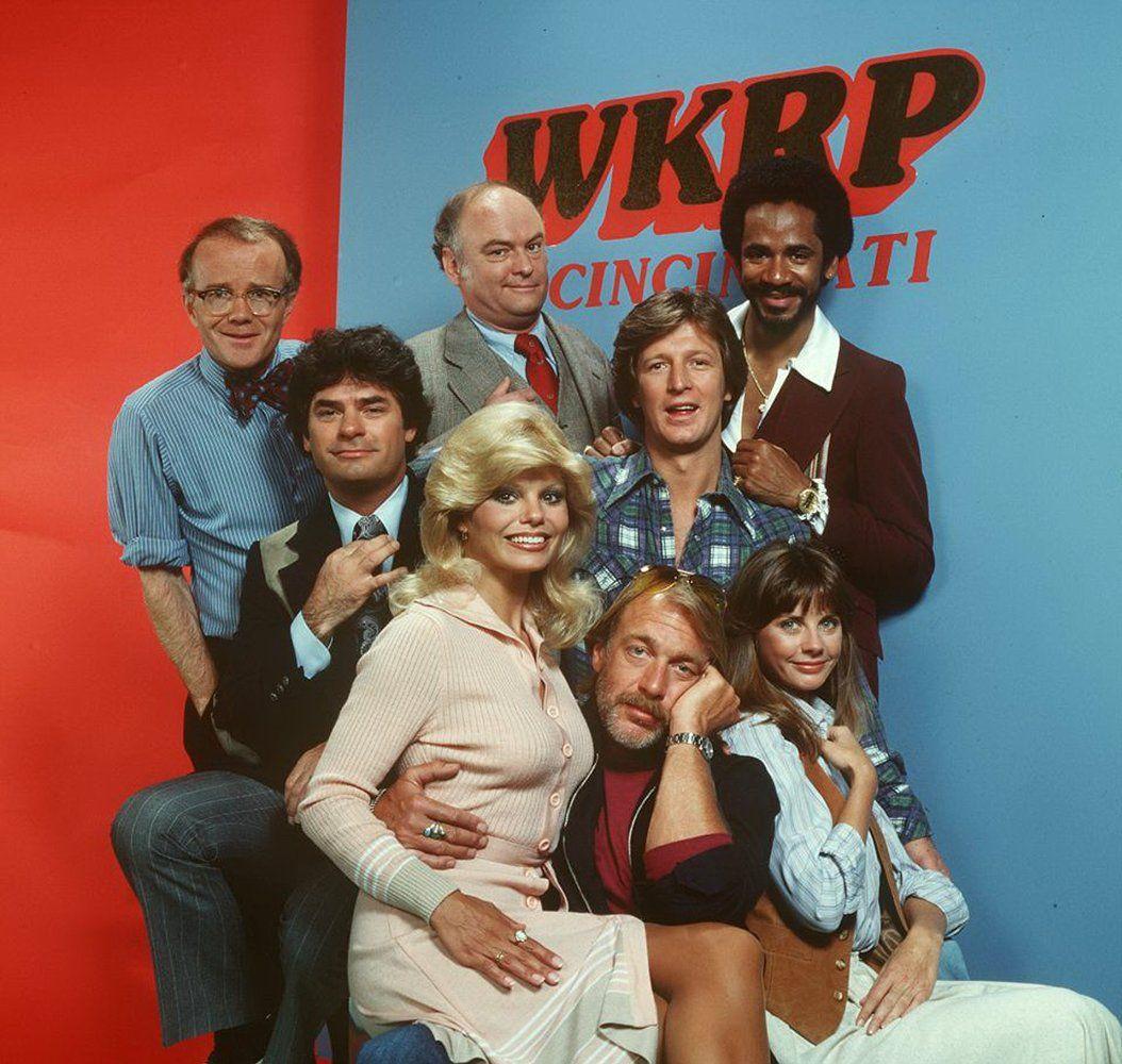 Loni Anderson, Tim Reid, Frank Bonner, Howard Hesseman, Gordon Jump, Richard Sanders, Gary Sandy, and Jan Smithers in WKRP in Cincinnati (1978)