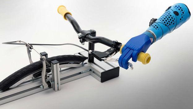 Bezahlbare Prothesen – Kinderhände aus dem 3D-Drucker