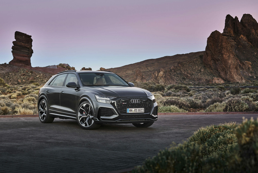 2020 Audi Rs Q8 Review Take A Hike Physics In 2020 Audi Rs Audi Range Rover Sport