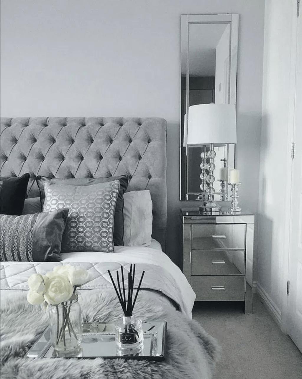 32 Popular Grey Bedroom Decoration Ideas Grey Bedroom Decor Mirrored Bedroom Furniture White And Silver Bedroom