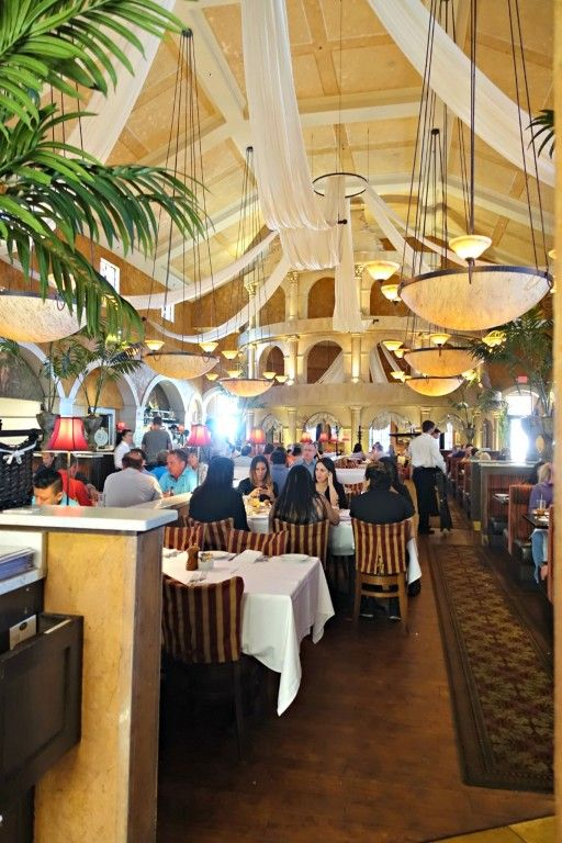 Last Vegas Restaurant Brio Tuscan Grille Located In The Town Square Ping Center On Southern End Of