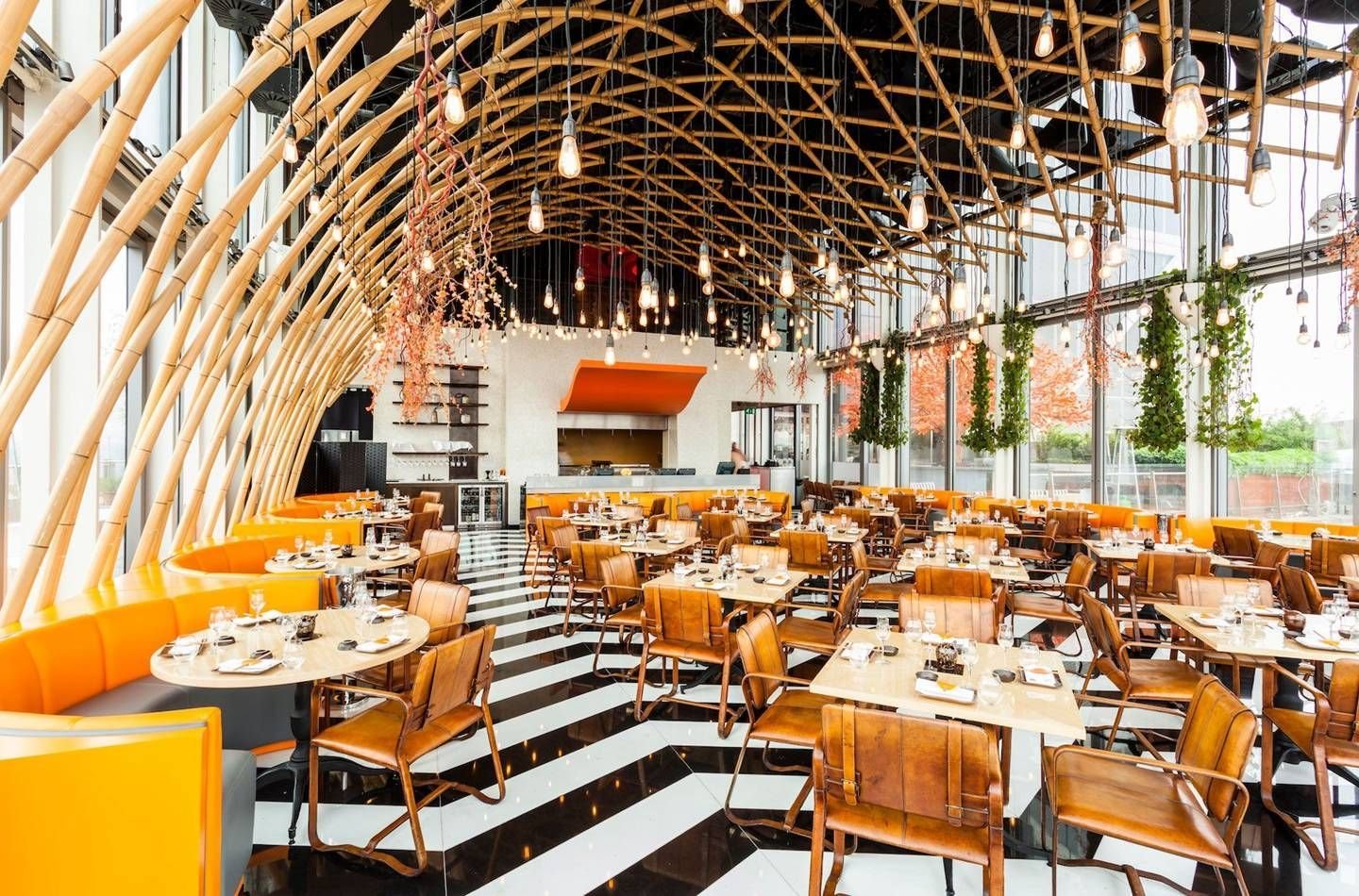Rooftop Bars London From Radio Rooftop Bar To Dalston Roof Gardens British Gq Best Rooftop Bars London Bars London Decor