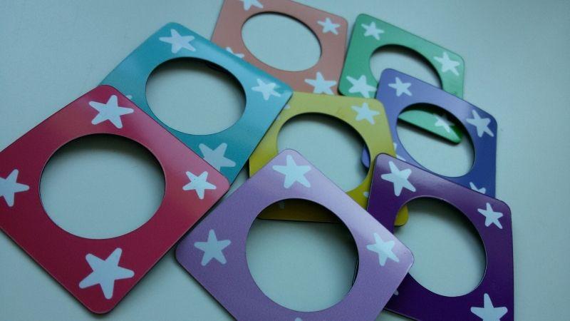 Magnetische fotoframes voor op je planbord in diverse kleuren! www.olifantastisch.nl