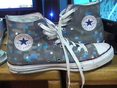 beste keuze nieuwe foto's ziet er goed uit schoenen te koop I found 'Minecraft Diamond Converse Shoes' in 2019 ...