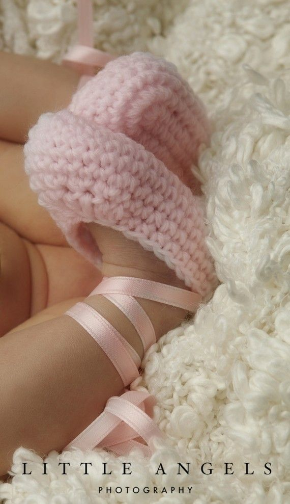 Ballet Slippers Pointe Shoes Crochet Booties Pattern (524)   Oh Snap ...