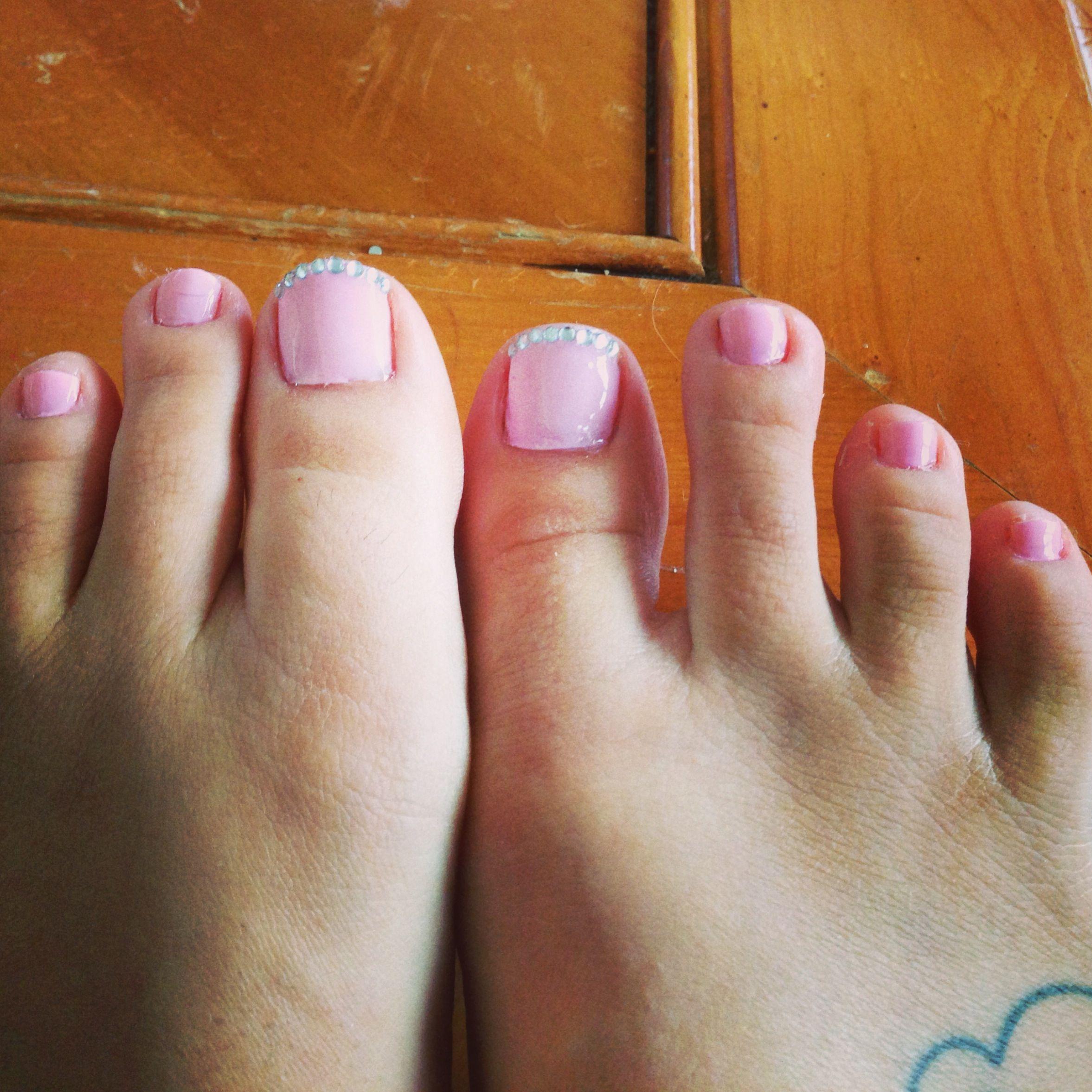 Toe nails Essie muchi, muchi | B-e-a-utiful | Pinterest | Nail nail ...