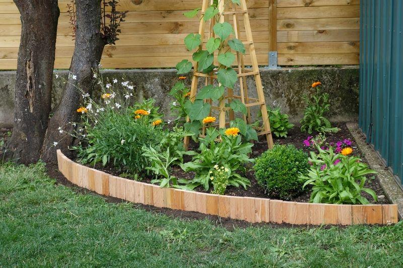 Diy Une Bordure Souple Le Blog De Bea Bordure Jardin Bois