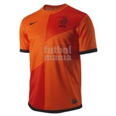 Camiseta oficial de la selección de Holanda para la EURO 12. Consíguela aquí: http://www.futbolmanianet.com/futbol/447289815/camiseta-nike-holanda-1a-12?orden==1
