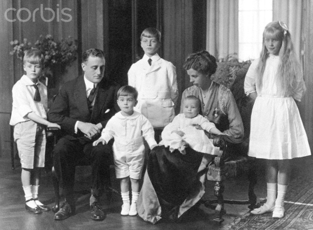 Franklin and Eleanor Roosevelt with Their Children