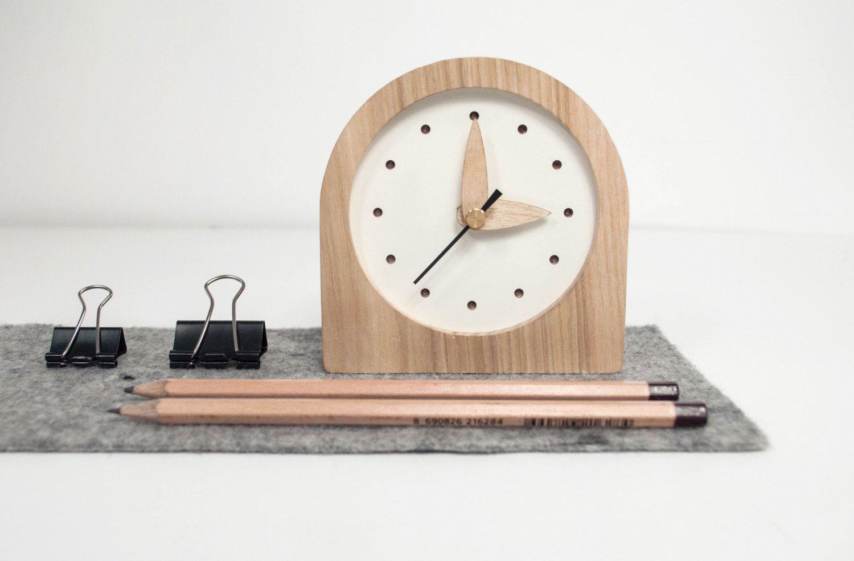 Pin By Javier Guastella On Diseno Wooden Clock Desk Clock Clock