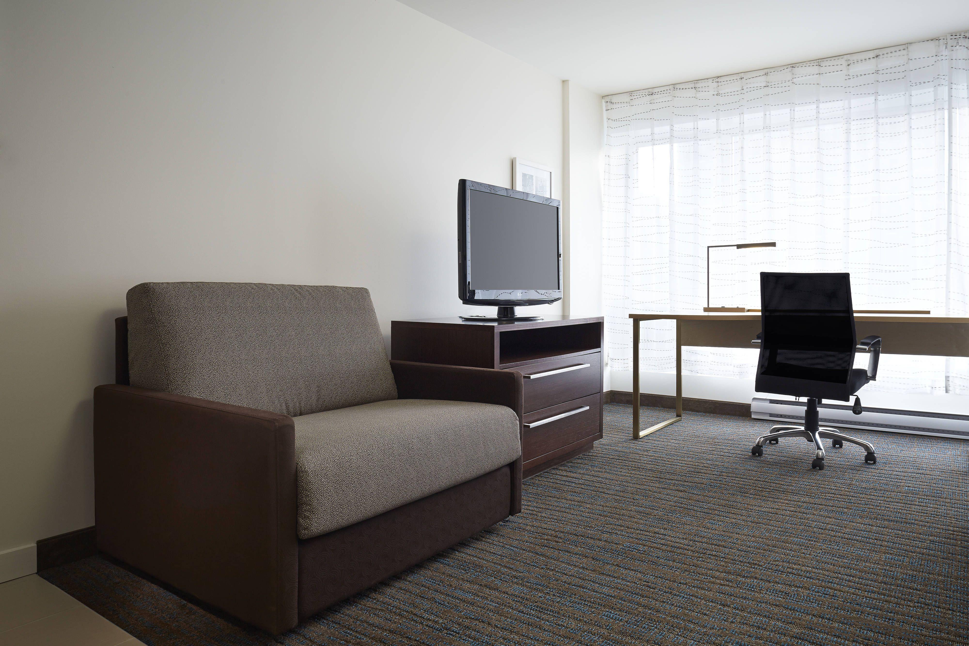 Residence Inn Montreal Downtown Studio King Suite Living