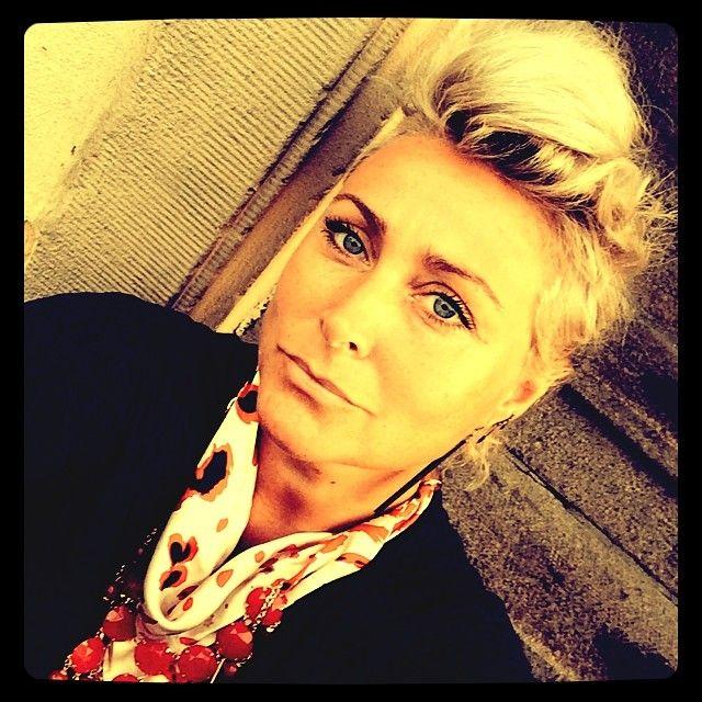 #storiesbyrikkemai #rikkemai #jewelscarf #oneoff #cphfashionweek #fashionweek #redpumabeadchain #charliesblog #bff