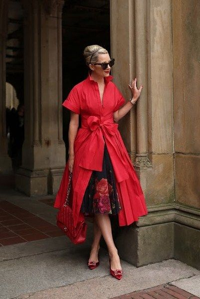 9f4a56fdf50 9.16 roses are red (CH Carolina Herrera dress + Ted Baker  ondra -  juxtapose rose  tutu midi skirt + Roger Vivier embellished heels + Karen  Walker sunnies)