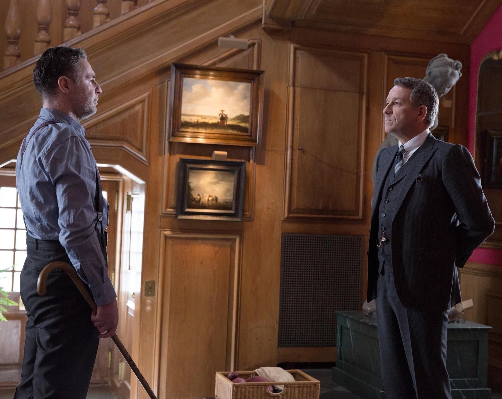 Gotham 1x17 Red Hood - Alfred & Reggie