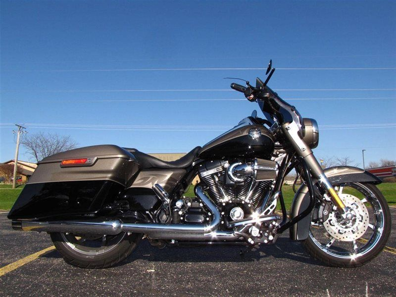 2014 Harley-Davidson CVO ROAD KING SCREAMIN EAGLE FLHRSE CVO ROAD KING - Click to see full-size photo viewer