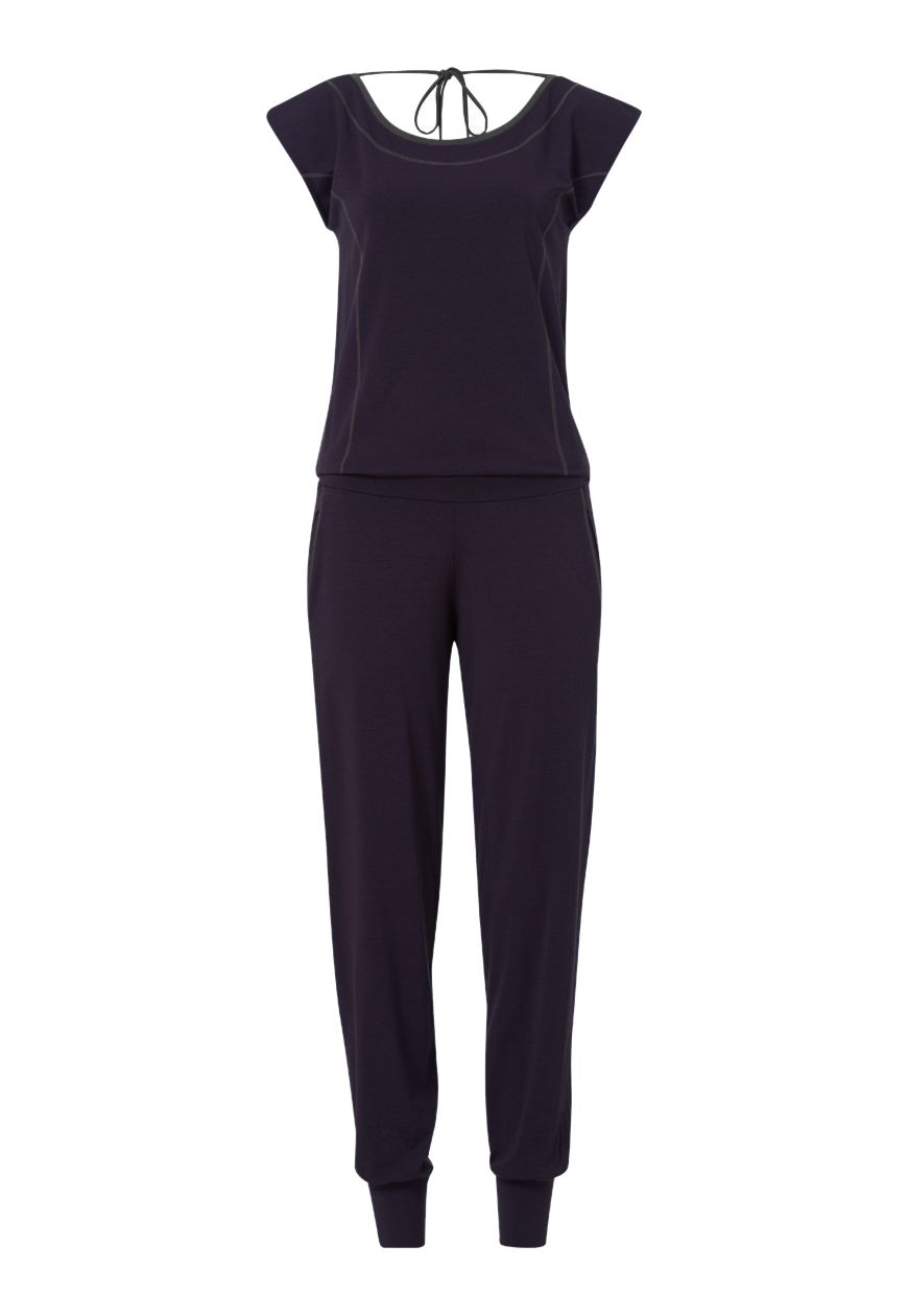 Great to do yoga in, great to relax in; flattering and with a ribbon on top. What else could a woman want? #BeWellicious #AW15