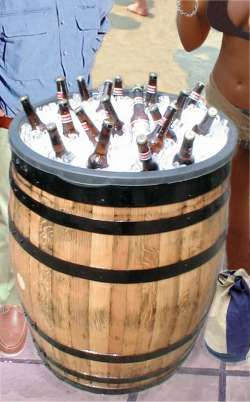 Oak Barrel Drinks Cooler Ideal For Functions And Point Of Sale 1