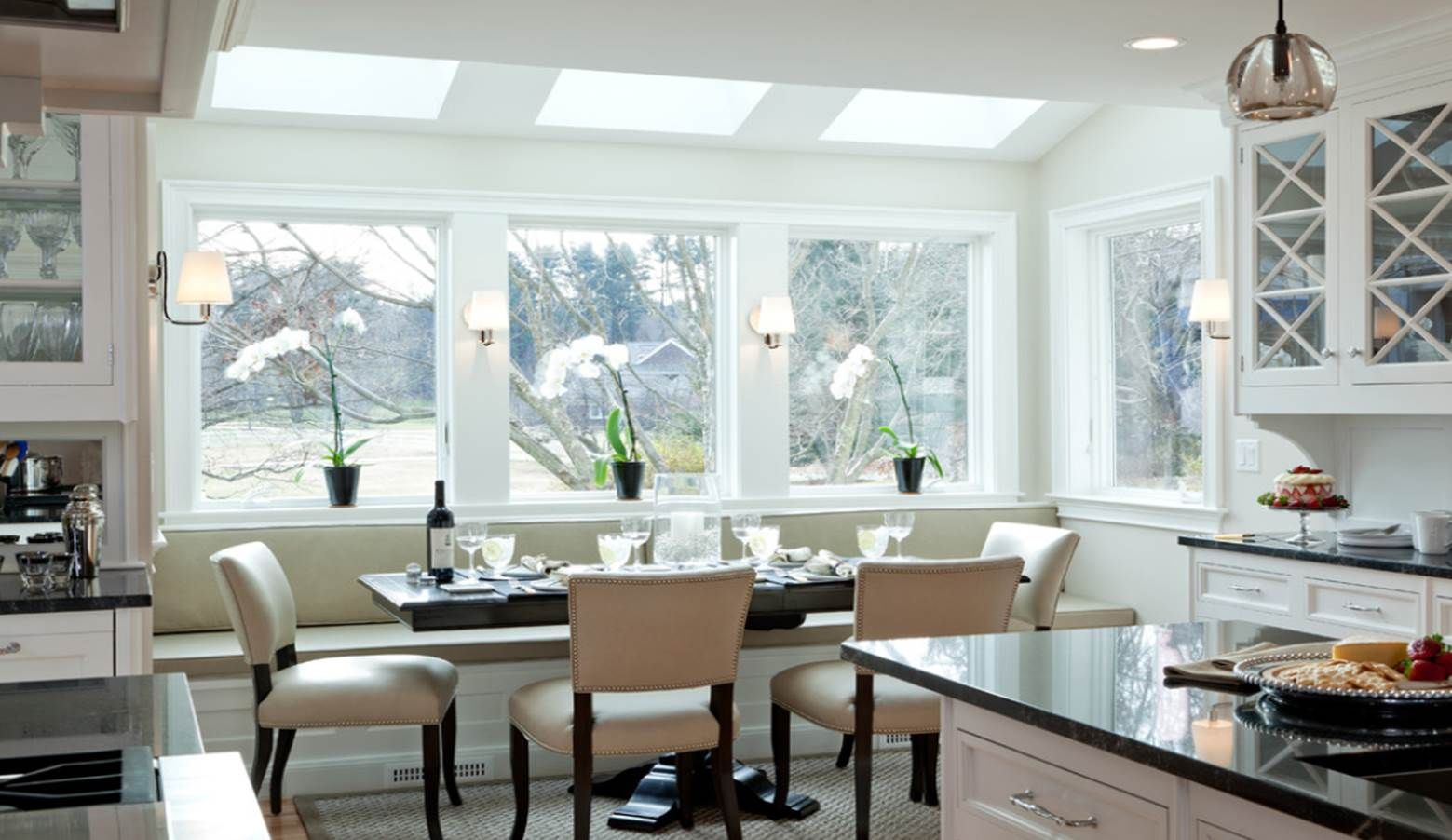 Exquisite Dining Room Design Idea With Windows and Adorable Bay ...