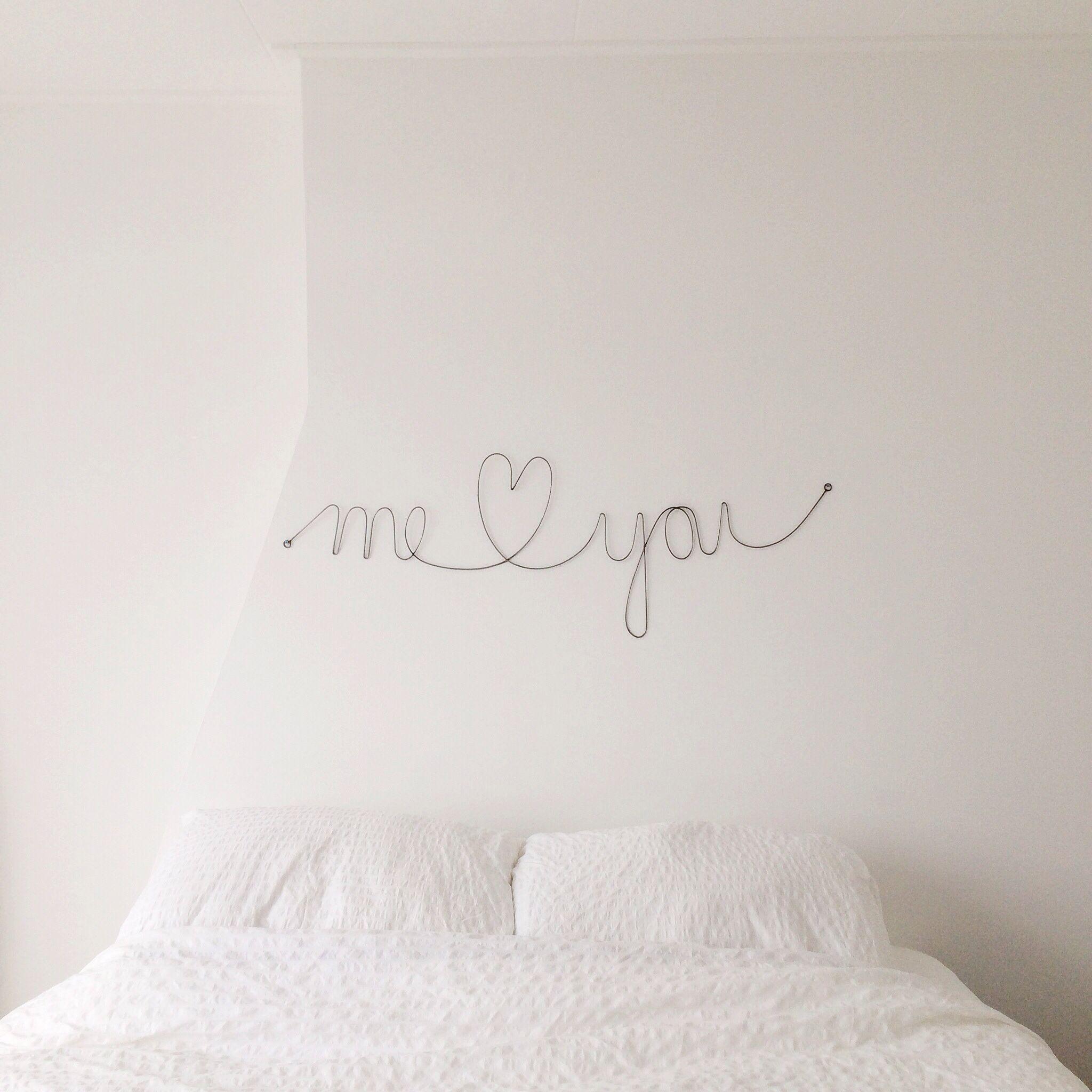 { Inspo } atrás da cama. ♡