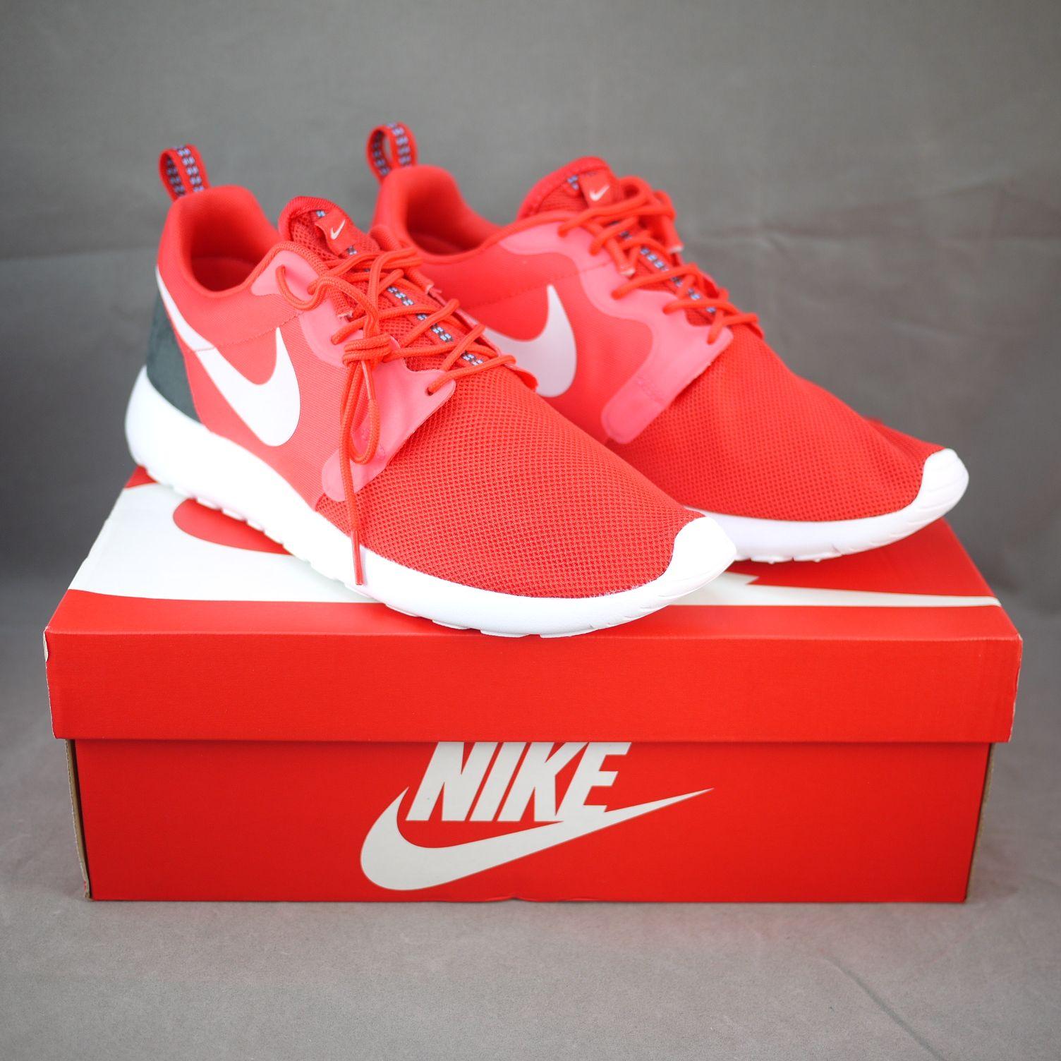 Nike Roshe Run Hyperfuse Men 636220-600 Light Crimson / Pure Platinum-Black  Pine