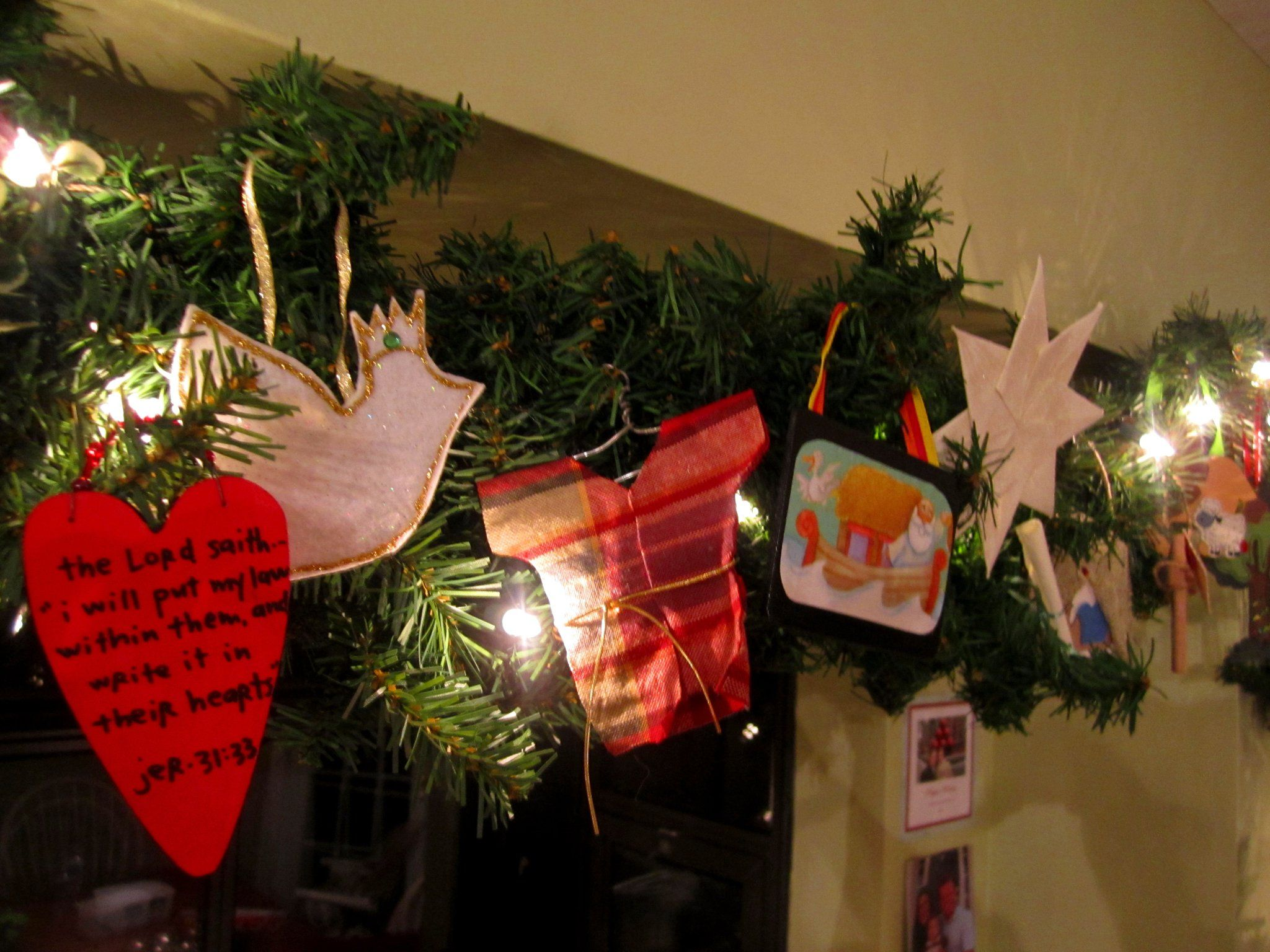 Jesse Tree Ornaments On A Garland (new Covenant, Dove