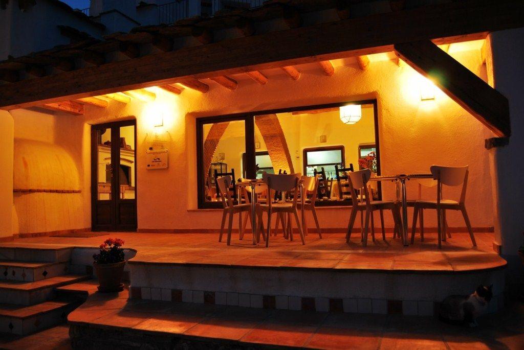 Qué tal disfrutar de una magnífica cena aquí...es Serón, en plena sierra de Los Filabres