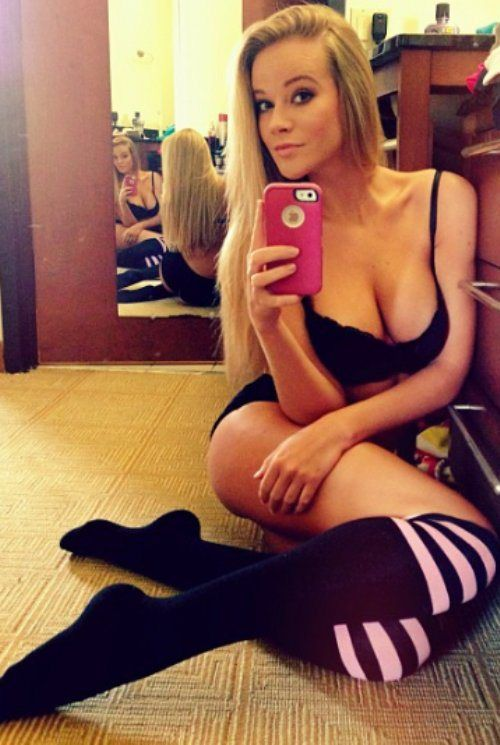 girls selfie Long socks xxx