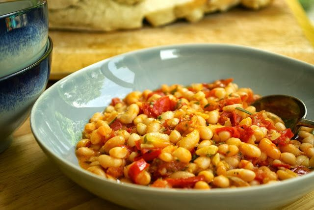 Well Worn Whisk: Cannellini beans with tomatoes and rosemary