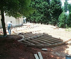 Building A Round Or Curved Deck Decks Com Curved Deck Deck Design Building A Deck