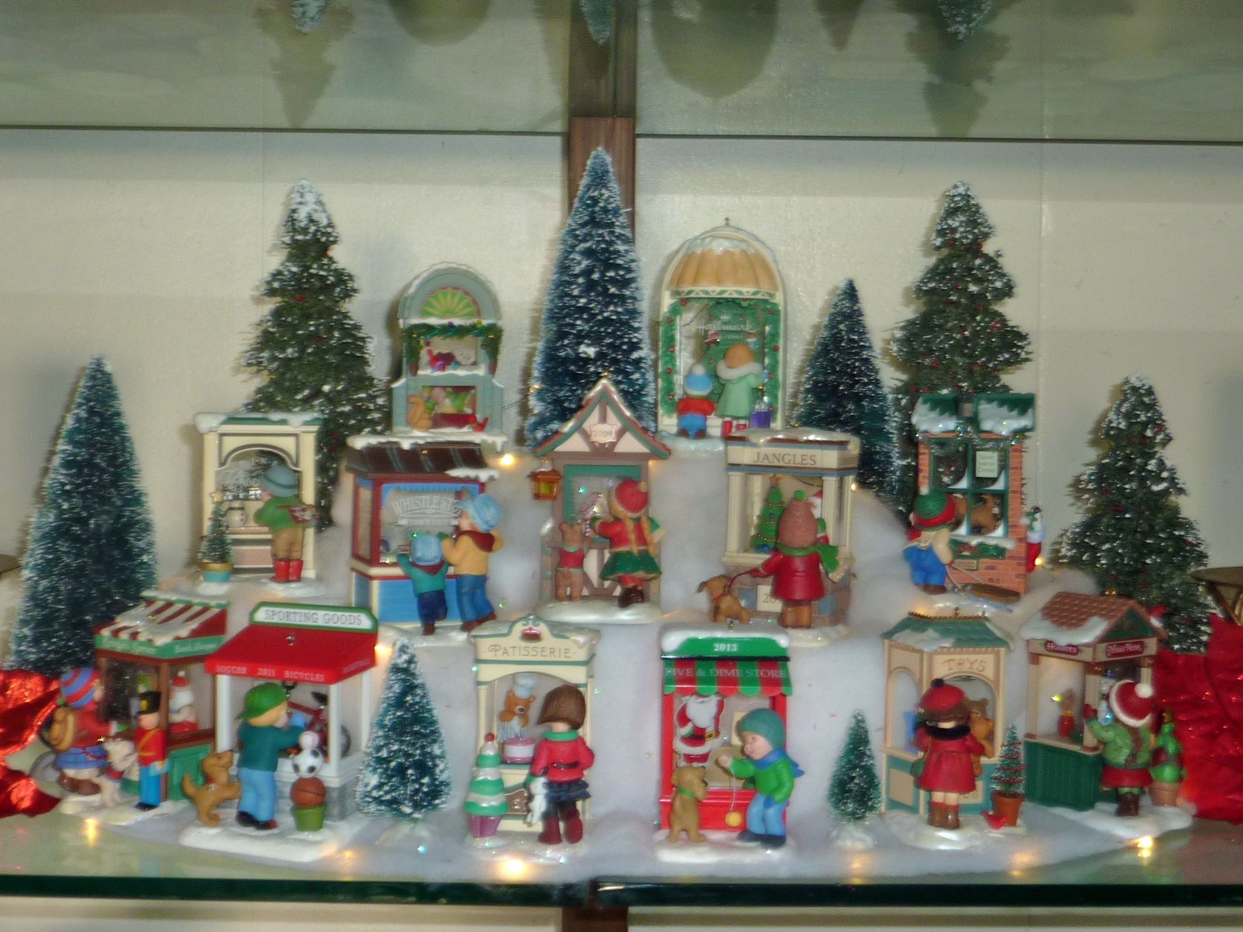 Hallmark Christmas Windows Display 2014 Hallmark