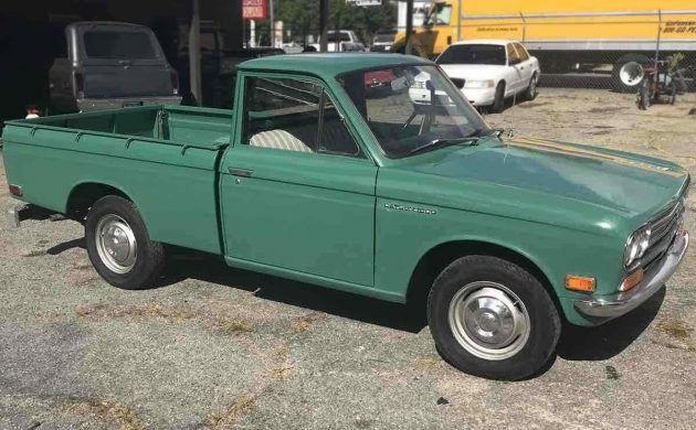 Carport Find: 1971 Datsun 521 Pickup in 2020   Datsun ...
