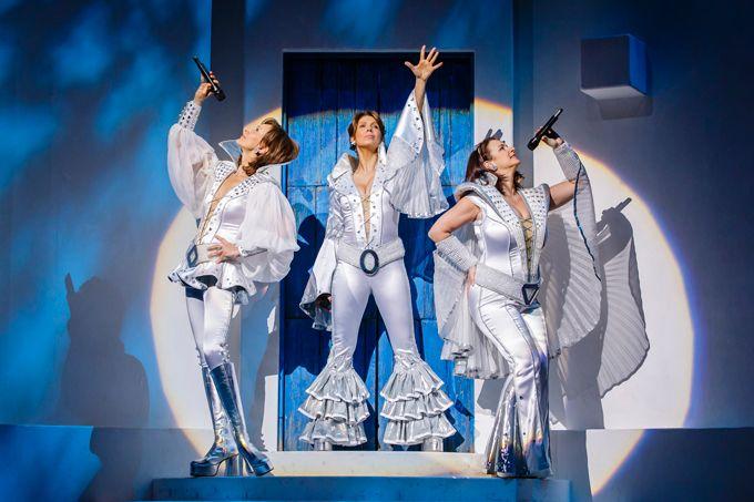 Mamma Mia Musical Theatre Mamma Mia Musical Tickets Dancing