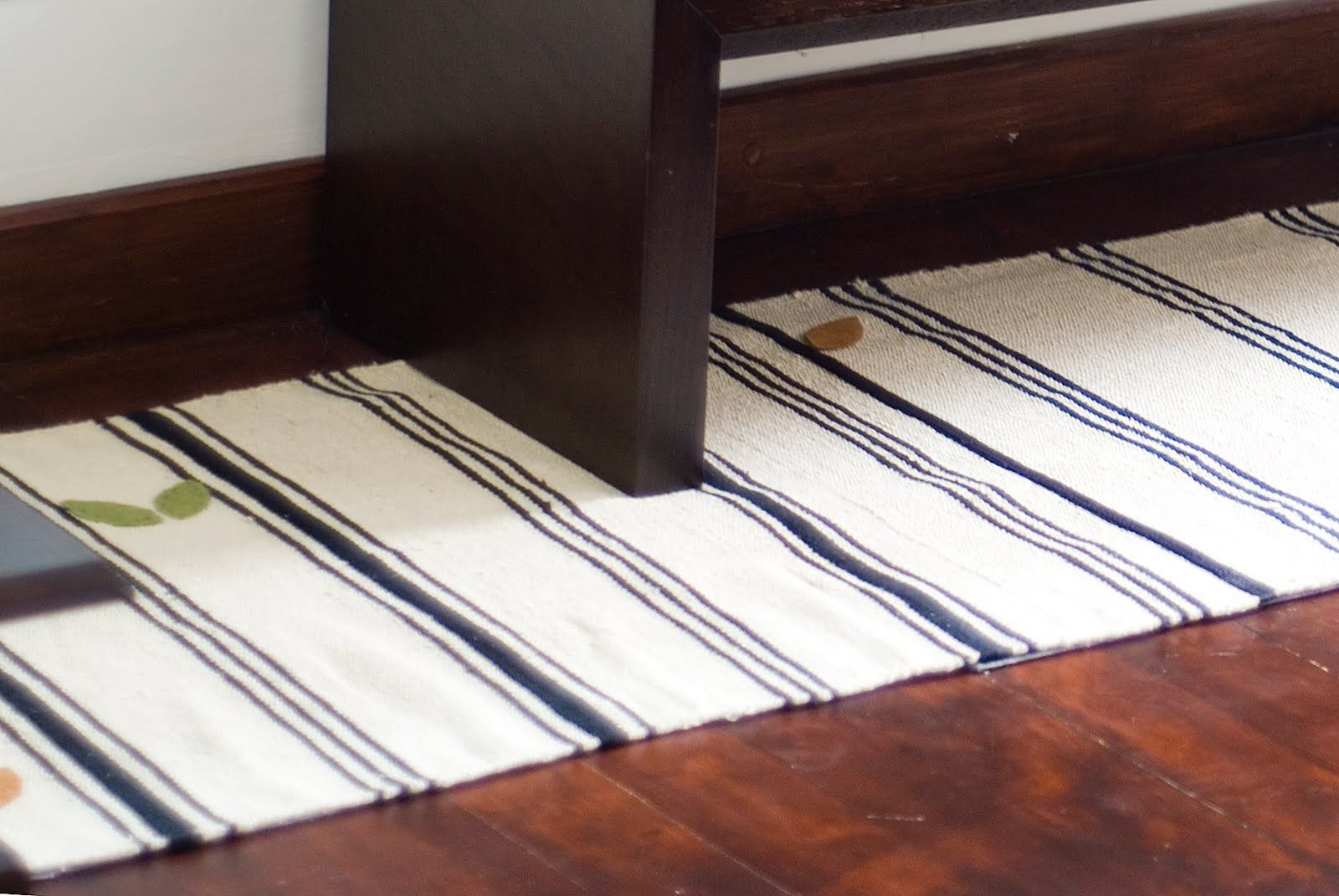 I Like The Clean Simplicity Of Clara S Hack A Long Runner From Ikea Rugs