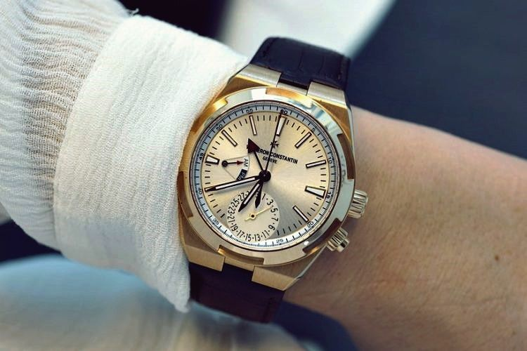 Pin by Arezou Nobari on Style in 2020 Dual time watch