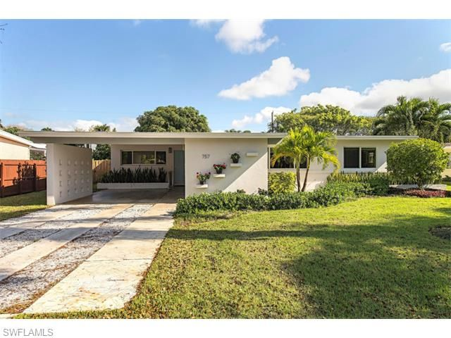 757 S Broad Ct Naples Modern Homes For Sale Mid Century Modern House Modern Homes For Sale Types Of Houses