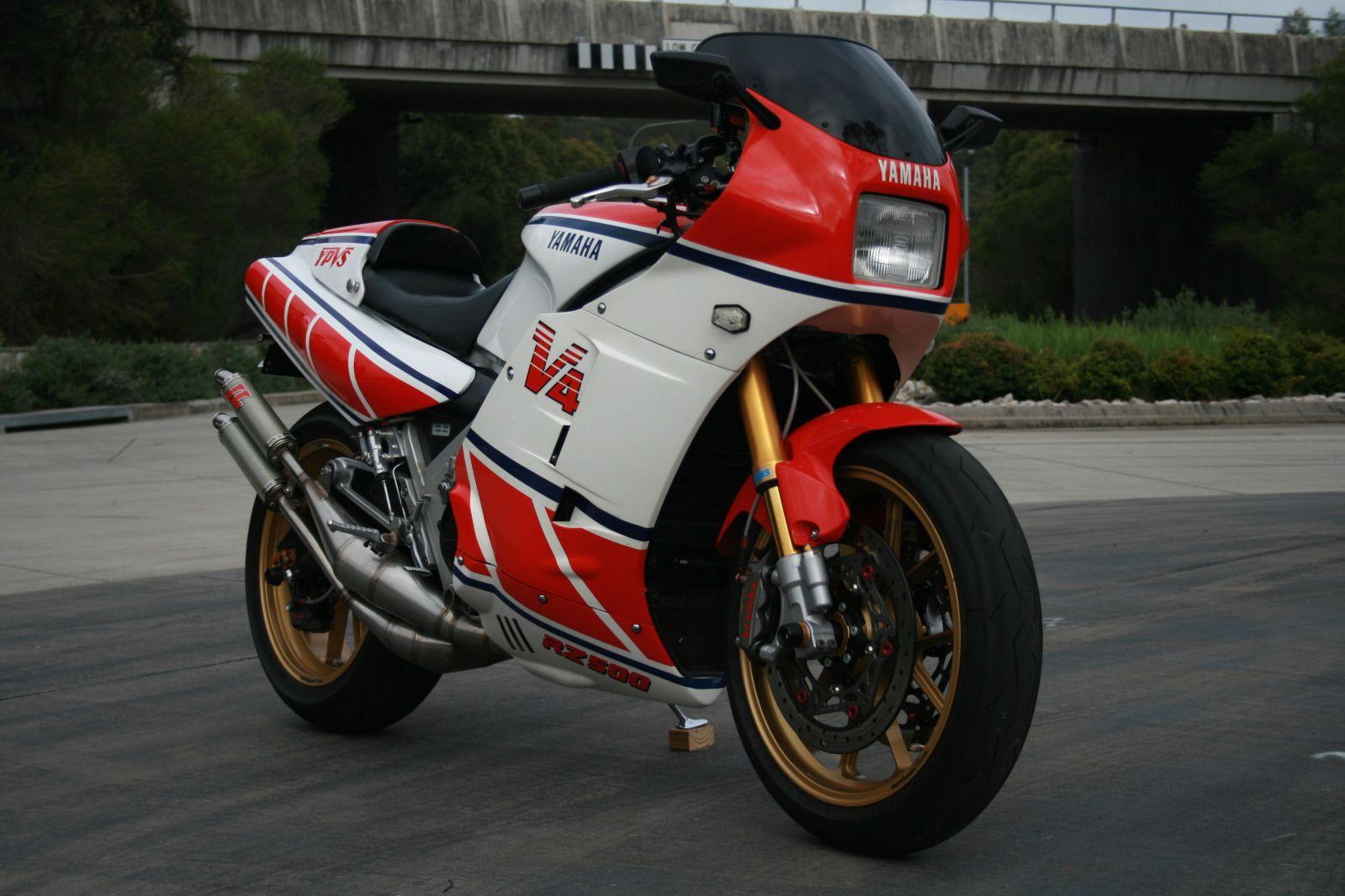 2 STROKE BIKER BLOG: Nicely modified Yamaha RZ500   pRon