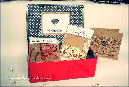 Ehe Wedding Notfallset Hochzeitsgeschenk Survival Kit Mit Bildern Kleine Geschenke Selber Machen Hochzeitsgeschenk Basteln Notfall Set