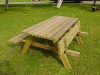 Table de jardin forestière | table de jardin | Table de jardin ...