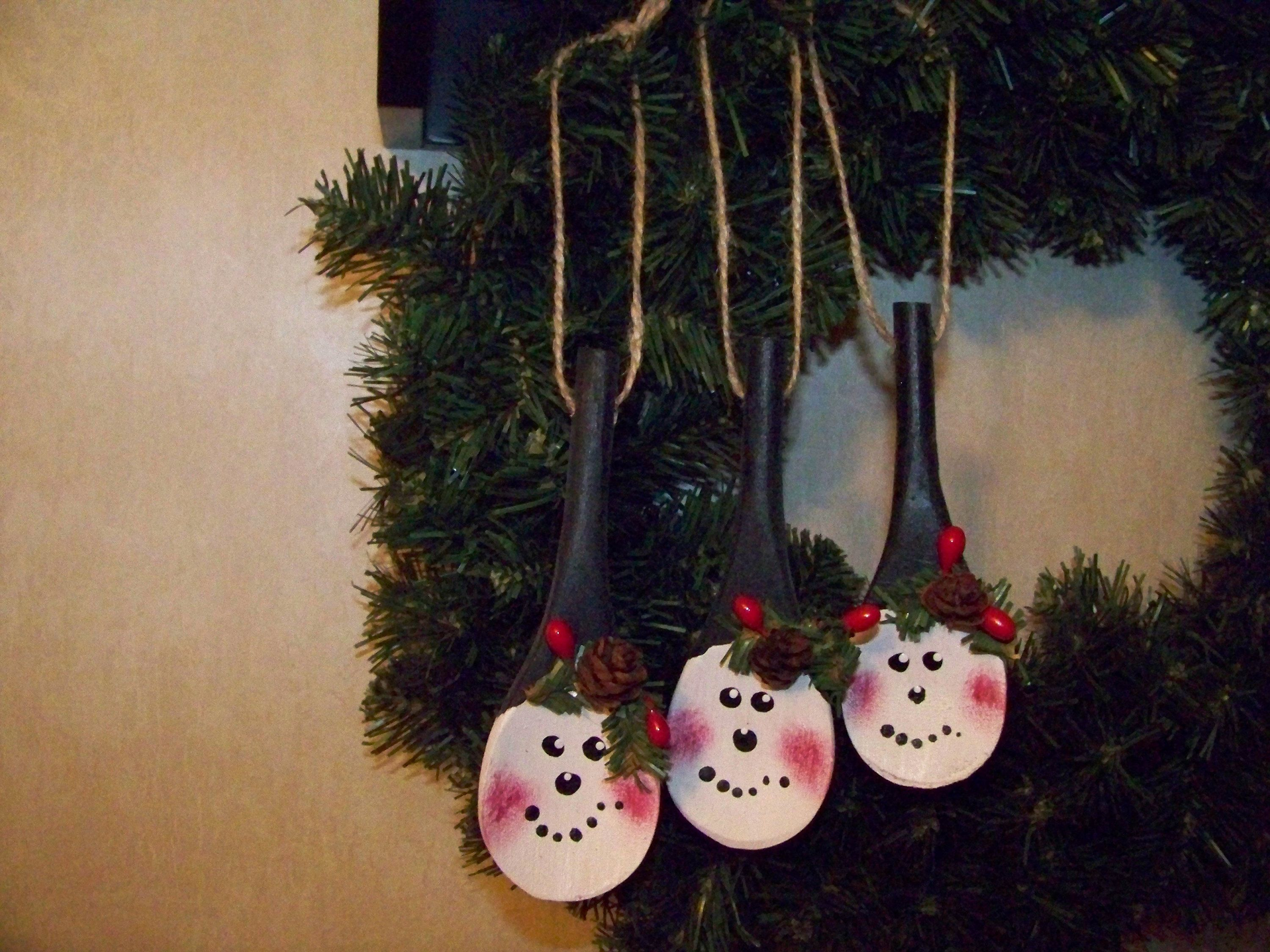 Snowman Wood Spoon Ornament Snowmen Christmas Ornament Etsy In 2021 Spoon Ornaments Diy Xmas Ornaments Wooden Spoon Crafts