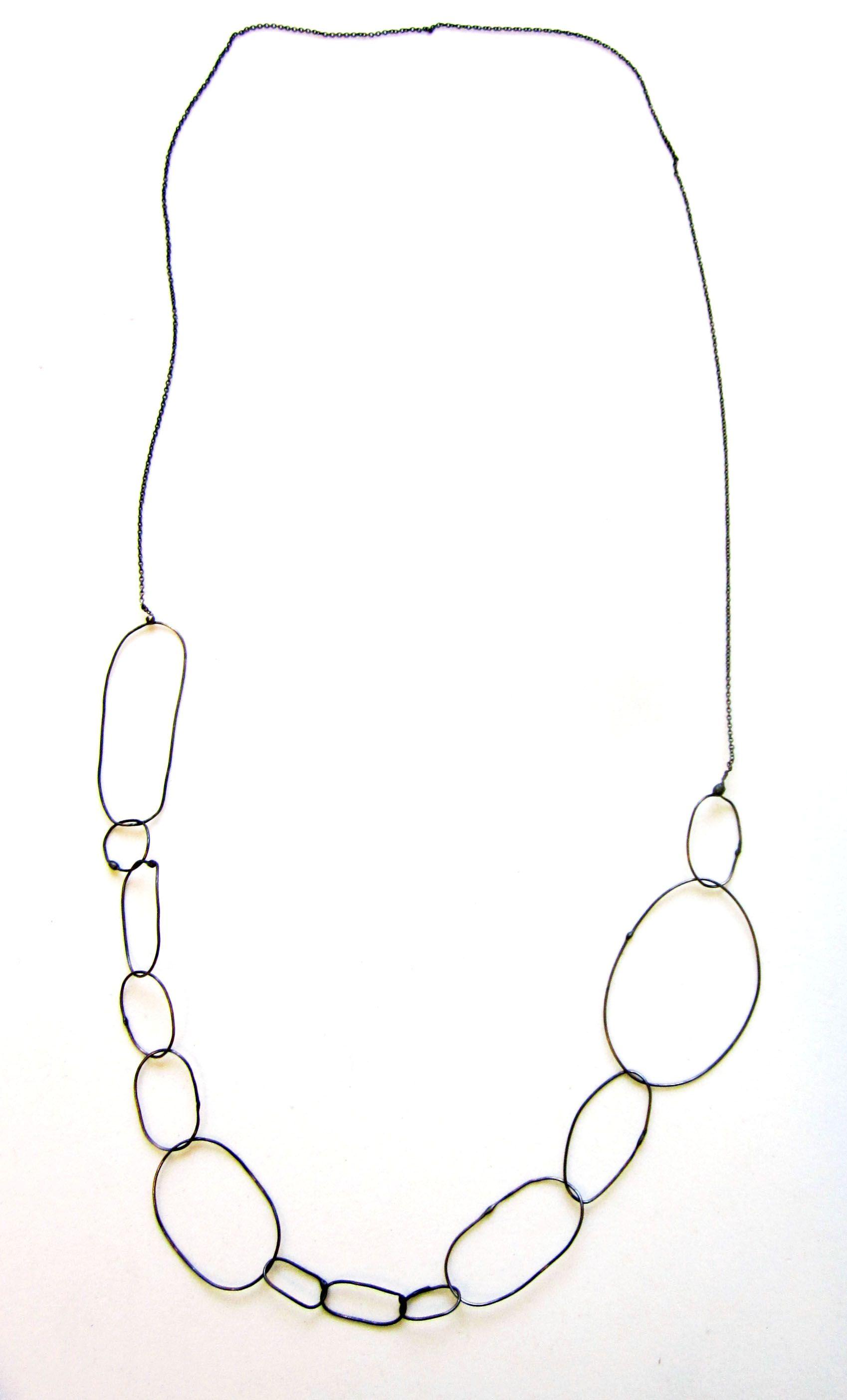 Collar de plata oxidada