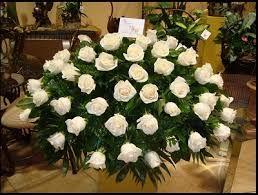 Image result for arreglo de flores para boda iglesia