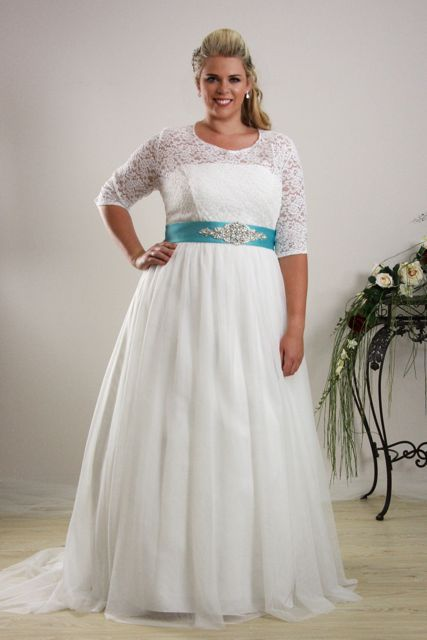 Simple And Relaxed Plus Size Wedding Dress