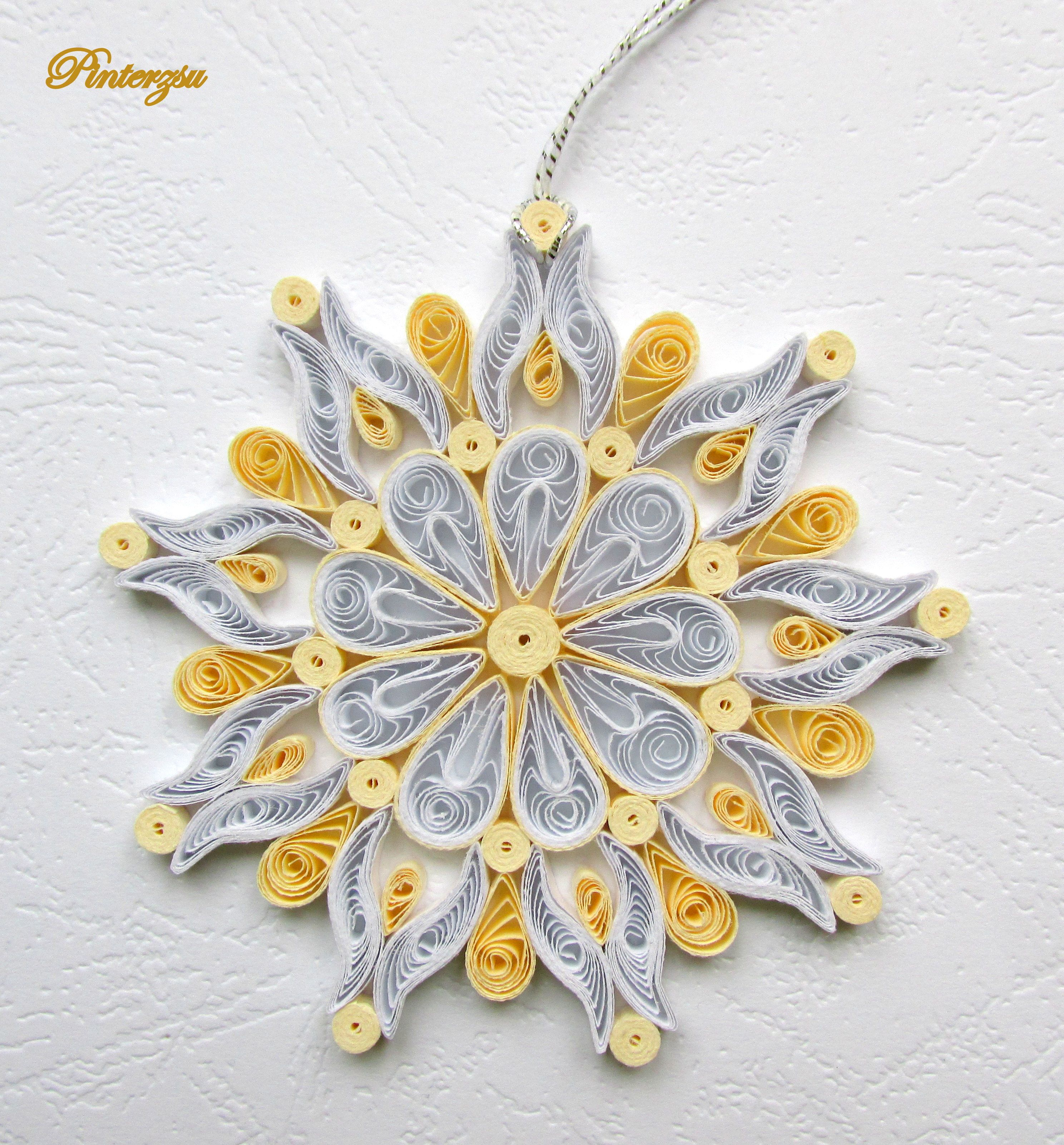 Goldwhite Snowflake Quilled By Pinterzsu Diy Christmas Craftsquilling