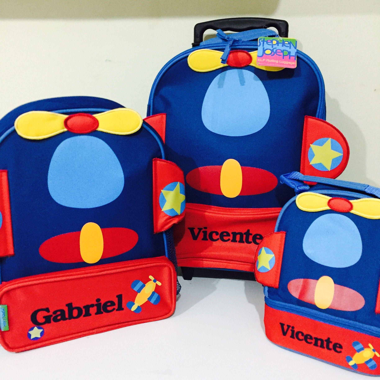 a71c7bd53 Kit escolar: mochila de rodinhas, mochila escolar e lancheira avião da  marca Stephen Joseph