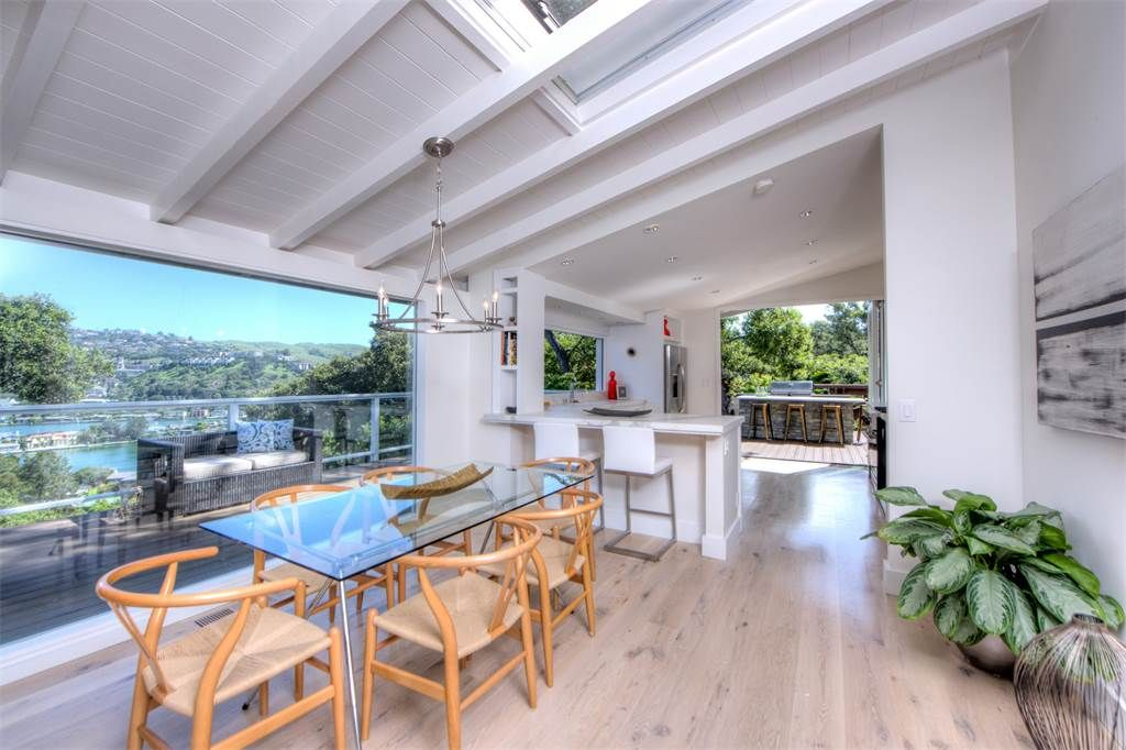 Single Family Home for Sale at Gorgeous 4 Bedroom Indoor/Outdoor Home 17 Oak Avenue Belvedere, California 94920 United States