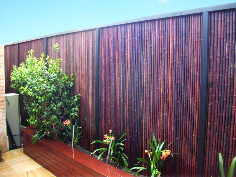Bamboo Fencing Or Bamboo Screening Panels Are Easy To Install Naturally Termite Resistant And More Durable Than Traditional Wood Schutting Tuin Tuinplan Tuin
