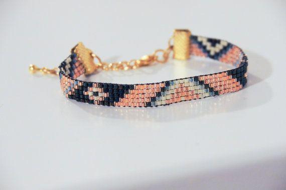 Bracelet en perles tissées inspiration aztèque par SianaJewelry